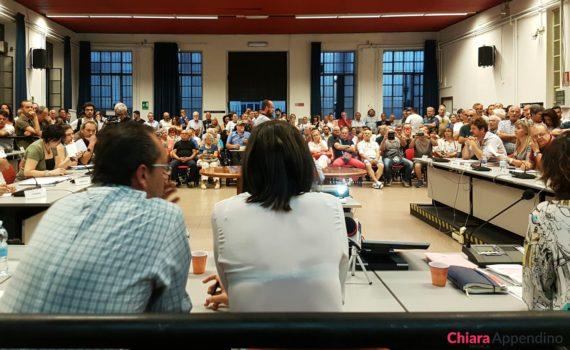 Chiara Appendino discute il nuovo regolamento di Torino sui campi Rom
