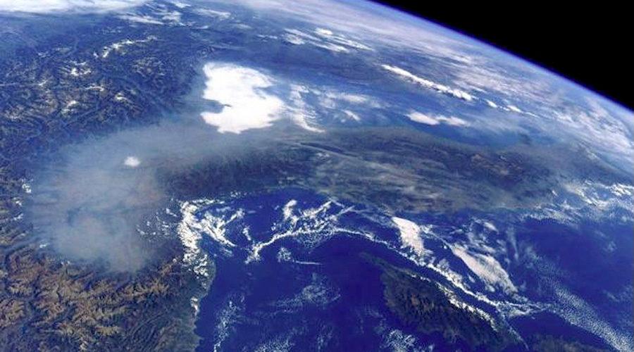 Inquinamento sulla Pianura Padana visto dallo spazio, foto dell'astronauta Paolo Nespoli